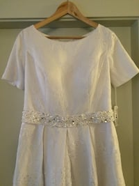 Wedding dress size 16-20 new never worn with corset back Surrey, V3W 3R8