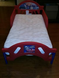 "Disney Cars ""Pit Crew"" Toddler Bed w spillproof mattress Madison"