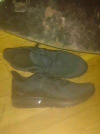 Nike Airmax Size 9.5 shoes Rochester, 03867