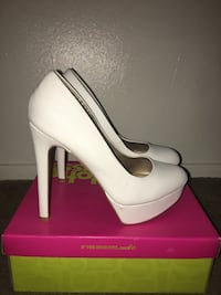 Used just 2 hours/must pick up- size 8 San Antonio, 78227