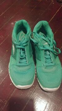 Green sneakers size 8 Rome, 13440