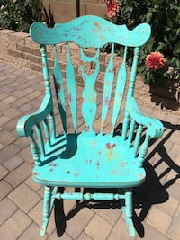 Solid oak shabby chic painted rocker-reduced price! Prescott Valley, 86314
