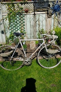 Peugeot course road bike Toronto, M6S 2S1
