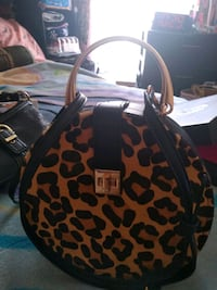 Dune London purse. Brand new, never used. Paid $60 Sterling, 01564