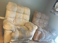 2 lazy boy recliners - 1 heats and messages