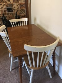 Ethan Allen dining table. With mismatched chairs Dublin, 43017