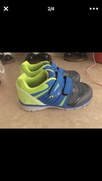 Pair of blue-and-green nike basketball shoes Midland, 79707