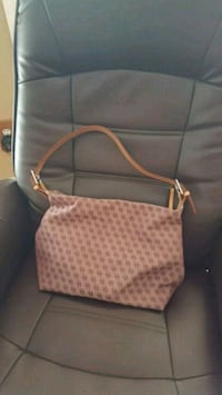 Dooney & Bourke purse Guntersville, 35976