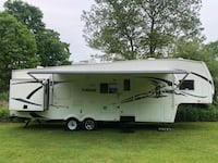 Forest River Wildcat 5th wheel RV with bunks