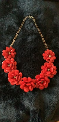 Jewelry necklace red flowers