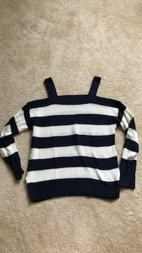 Black and white striped sweater Arlington, 22203