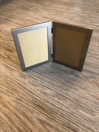 Silver metal picture frame Winnipeg, R3P 1H1