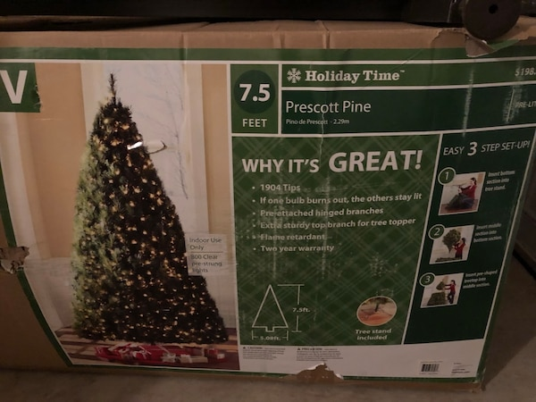 new style 6ef18 b5e3a Used 7.5 ft prelit Christmas tree for sale in Nazareth - letgo
