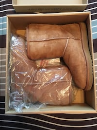 WOMENS CHESTNUT UGGS-SIZE 7-BRAND NEW IN BOX West Babylon, 11704