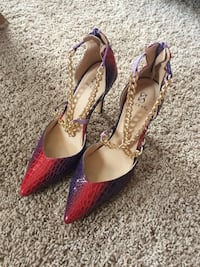Pretty awesome fun classy size 7.5. Worn once, 4.5 inch heel.. Aliso Viejo, 92656