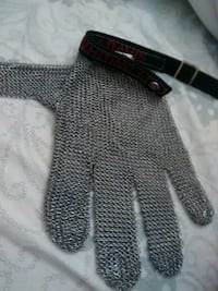 New chainmail glove mens large  Ingersoll, N5C 2X3