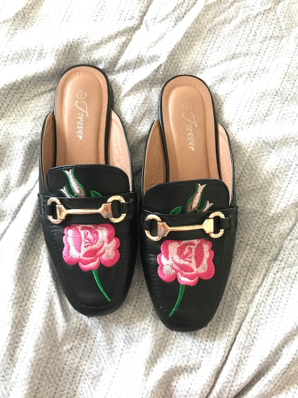 Loafers/ Flats