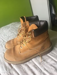 Size 7 (men) Timberland Boots