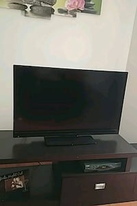Insignia flat screen TV McLean, 22102