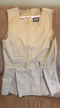 Girls size 6X Austin uniform romper, clean smoke free home, can meet at Albertsons on country club Lake Charles, 70605