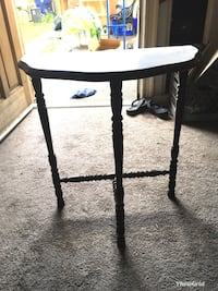 Antique table Bakersfield, 93304