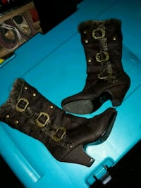 Girls brown linknboots size 2 Dothan