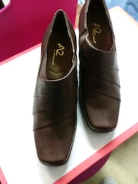Brown leather shoes size 8. Glen Burnie, 21061
