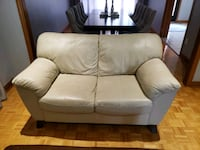 Beige leather loveseat - very comfy Vaughan, L4L 5S9