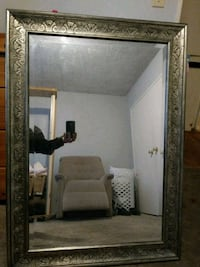 3ft by 2 1/2ft Mirror Los Angeles, 91605