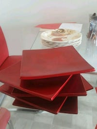 RED TRENDY PLATE, EXCELLENT FOR PARTY, CHRISTMAS Lethbridge, T1H 5T4