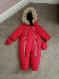 6-12m baby snow suit  Pickering, L1V 3A5