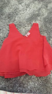 Red loose top Dollard-des-Ormeaux