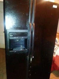 black side by side refrigerator with dispenser Dallas, 75238