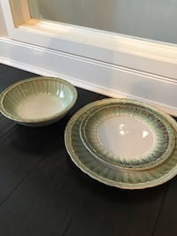 Pier one Imports dish set 3160 km
