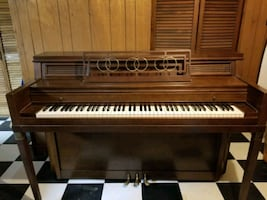 Upright Everett Piano
