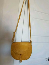 Yellow crossbody bag Calgary, T3N 0E4