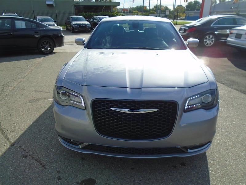 Chrysler 300 2016 9