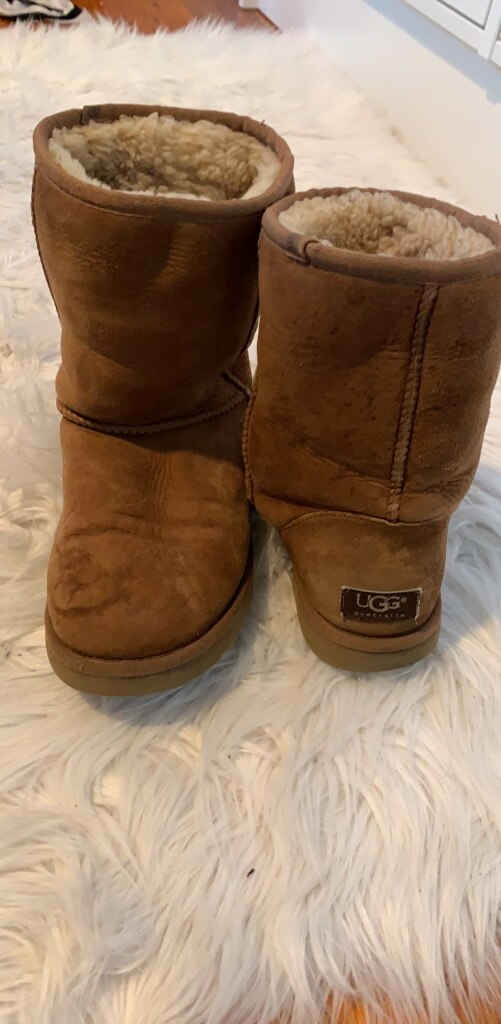 pair of chestnut UGG Classic Short for sale  North Bellmore