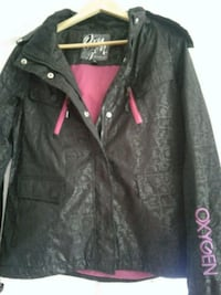 black zip-up jacket L'Ancienne-Lorette, G2E