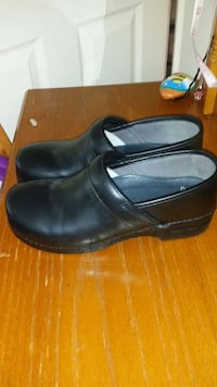 work shoes slip resistant sz 10