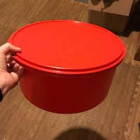 Tupperware Round Deep Pie Pastry Container Pacific
