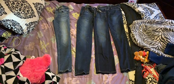 80ebb89d43777 Pants never been wore and size 00 and new brand jeans.. need gone asap