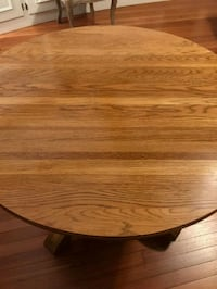 round brown wooden pedestal table North Andover, 01845
