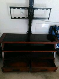 brown wooden TV stand with mount Cibolo, 78108