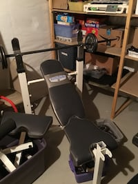 Good condition weight bench with leg Waukesha, 53189