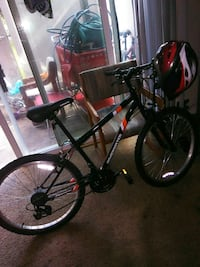 black and red hardtail mountain bike Kent, 98032