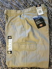 NEW Mens Dickies cargo pants loose fit 34x32 Florence, 39073
