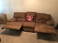 Dual reclining couch Elverta, 95626