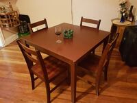 Dining table - 4 chair wooden set Cranston, 02910