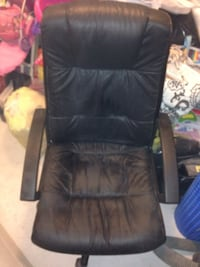Black leather swivel chair Laval, H7L 0B8